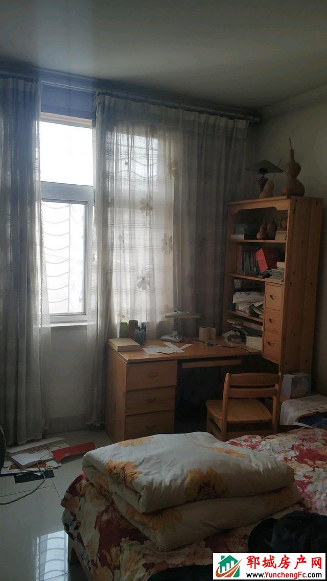 华灵佳苑 3室2厅 106平米 精装修 58万元