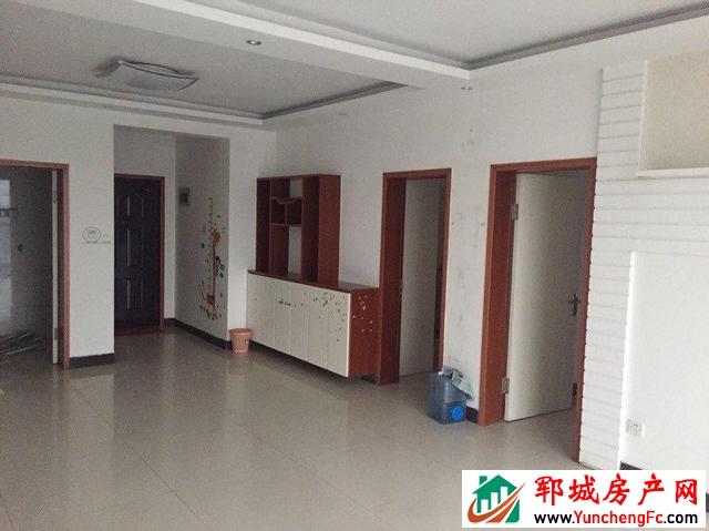 供电局家属院 3室2厅 141平米 精装修 60万元