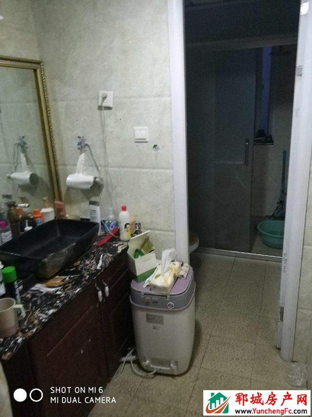 帝景湾 4室2厅 139.9平米 豪华装修 77万元