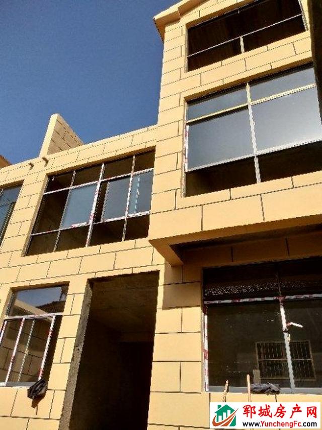 丽水湾 5室4厅 260平米 毛坯 52万元