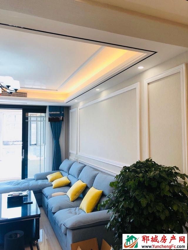 龙泽湾 3室2厅 126平米 豪华装修 75万元
