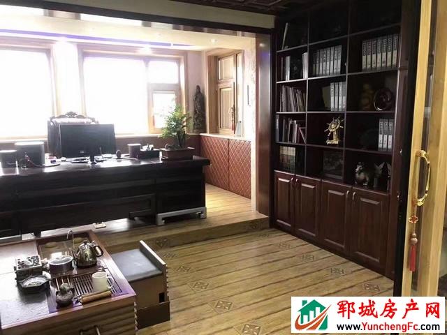 帝景湾 5室2厅 178平米 精装修 120万元