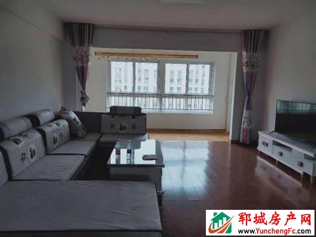 中央学府 2室2厅 155平米 简单装修 1250元/月