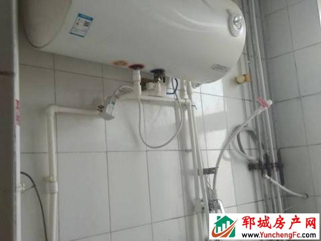阳光小区 3室2厅 900平米 精装修 900元/月