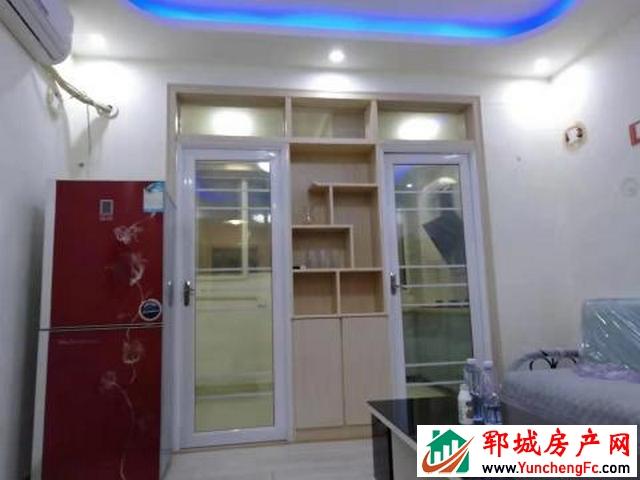 东城国际 1室1厅 43平米 精装修 1250元/月